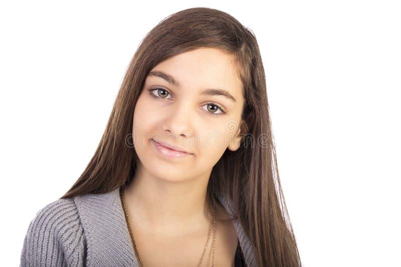 Zbliżenie portret piękna nastoletnia dziewczyna z długie włosy obraz stock