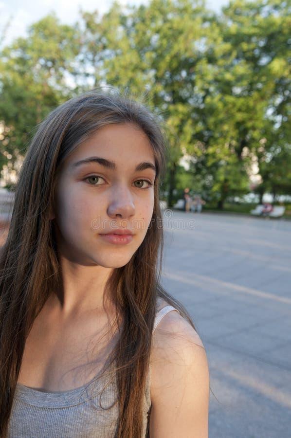 Zbliżenie portret powabna młoda dziewczyna fotografia royalty free