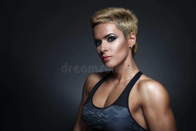 Zbliżenie portret sporty piękna kobieta obrazy royalty free
