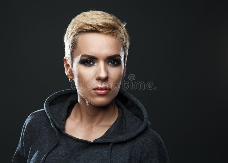 Zbliżenie portret sporty piękna kobieta fotografia royalty free