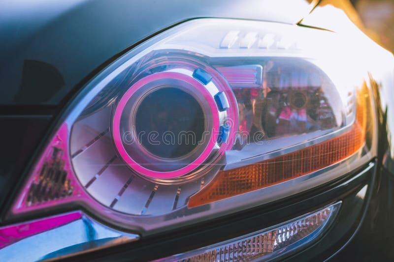 Zbliżenie reflektor fluorowa samochód zdjęcia royalty free