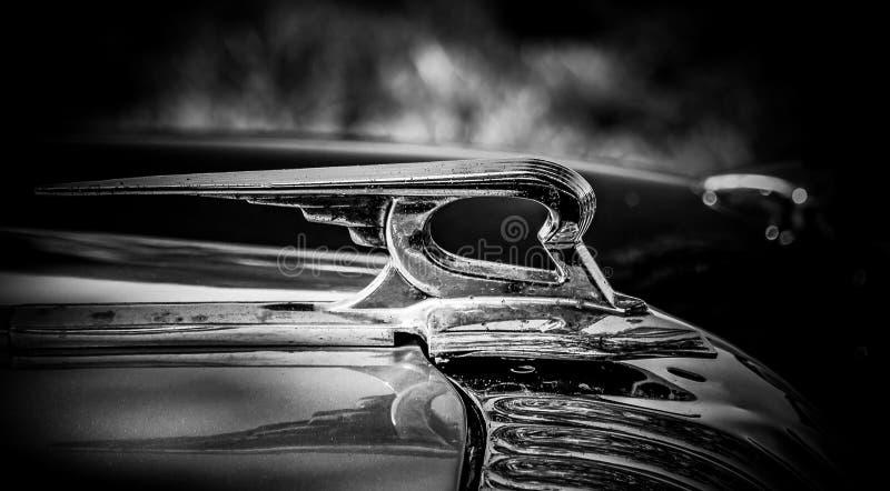 Zbliżenie rocznika samochodu emblemat zdjęcia stock