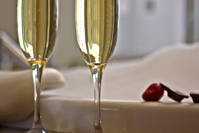 Zbliżenie szampańscy szkła zdjęcie royalty free