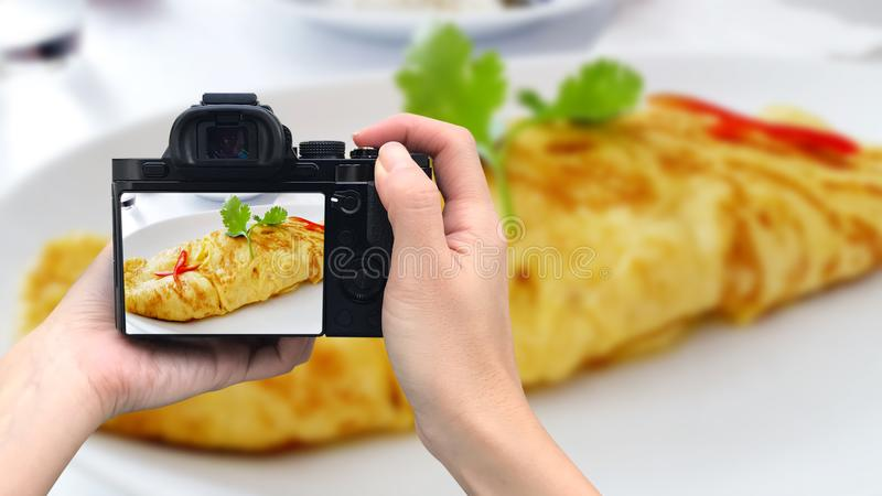 Zbliżenie talerz z typowym Tortilla De Patatas, zdjęcie stock