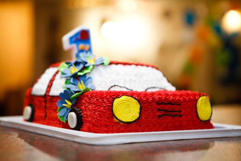 Zbliżenie urodzinowy tort dla jeden roku dziecka zdjęcie stock