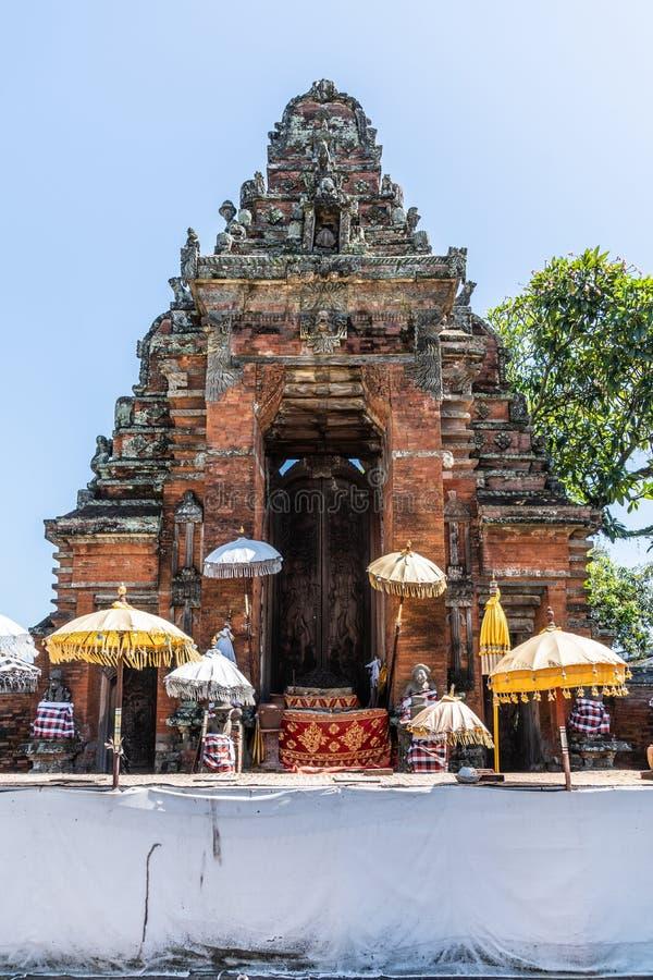 Zbliżenie Utrzymana brama i drzwi znikał Royal Palace, Klungkung Bali Indonezja obrazy royalty free