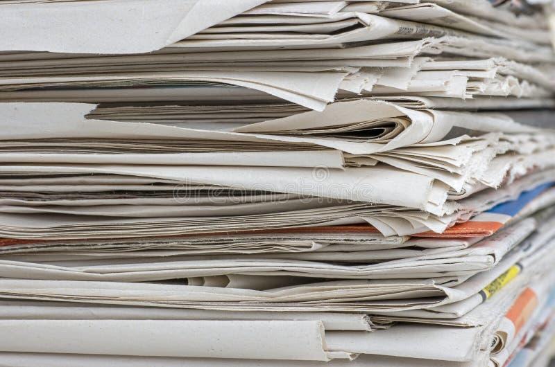 Zbliżenie widok wastepaper sterta fotografia stock