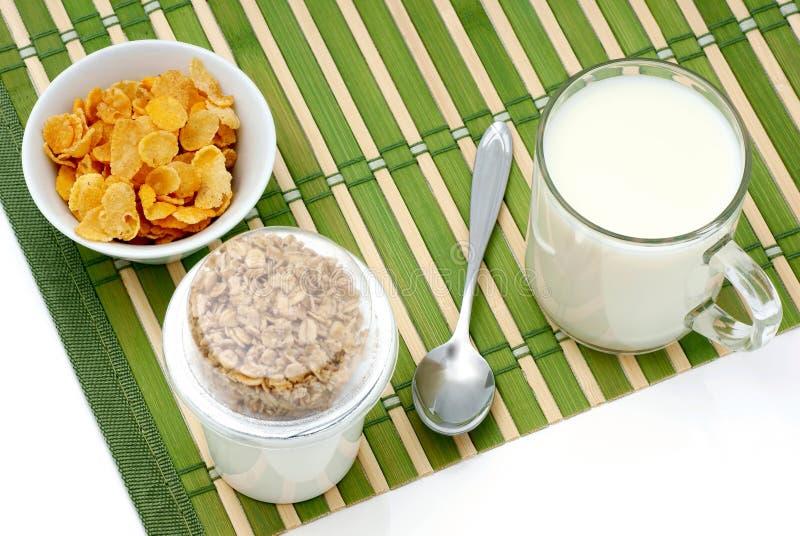 Zboże i mleka dieta. fotografia stock