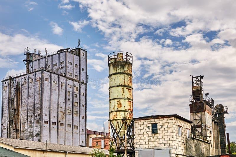 Zbożowi składowi systemy są na dużą skalę piekarnią w Vitebsk, Białoruś fotografia stock