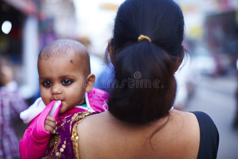 zbroi dziecka ind matki fotografia royalty free