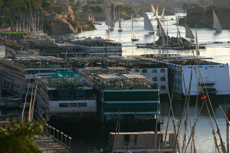 Zbyt wiele łodzie na Nil zdjęcie stock