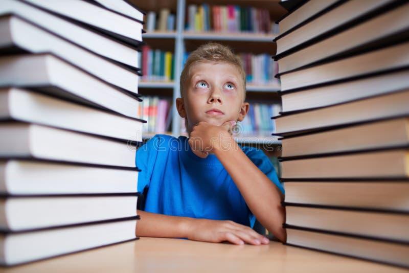 Zbyt wiele książki zdjęcia royalty free