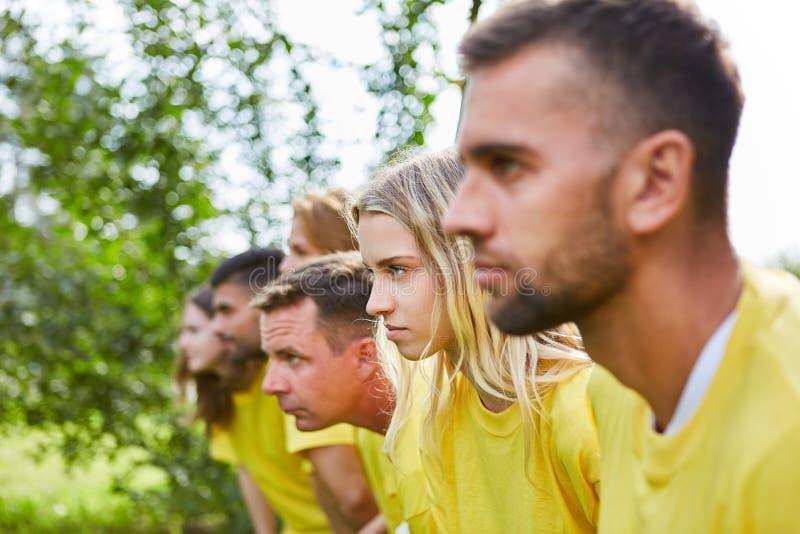 Zdecydowana drużyna na początku rasy obrazy stock