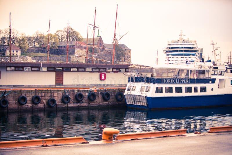 Zderzać się statku schronienia wody łodzie Oslo zdjęcie royalty free