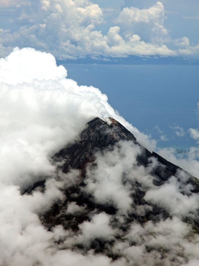 zdjęcia lotniczego góry mayon wulkan zdjęcia stock