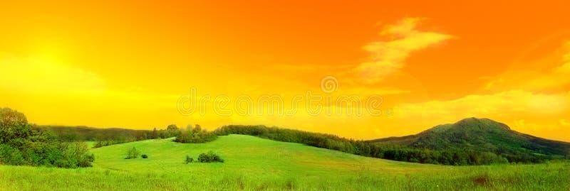zdjęcie panoramy łąkowa zdjęcie stock