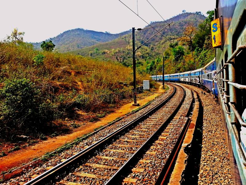 zdjęcie punktu kolejowej zniknąć sepiowy drogi ton zdjęcia royalty free