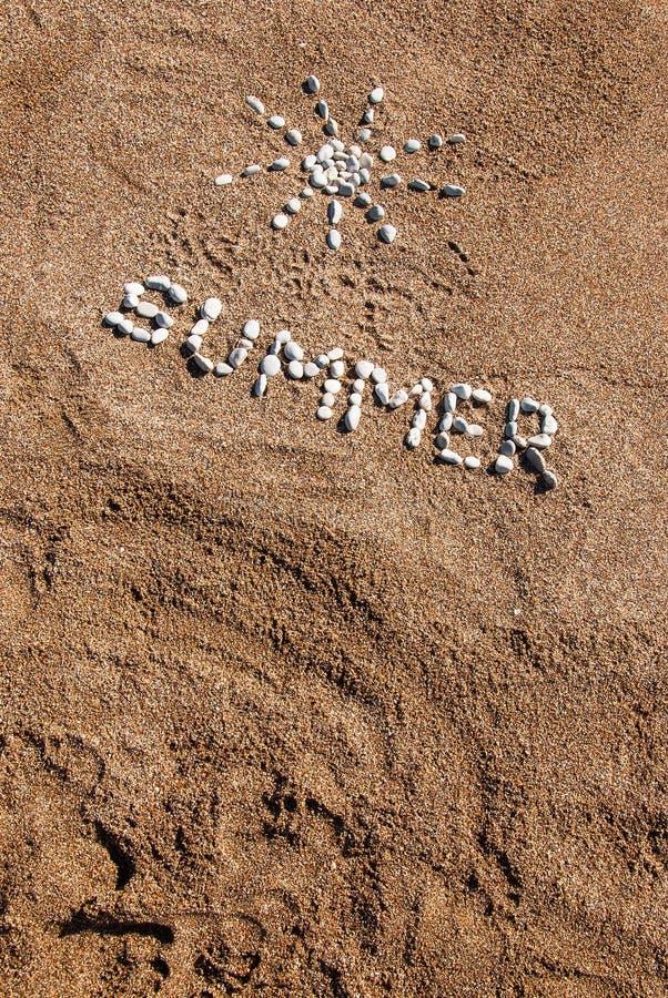 Zdjęcie z kamyka i piasku na plaży obrazy royalty free