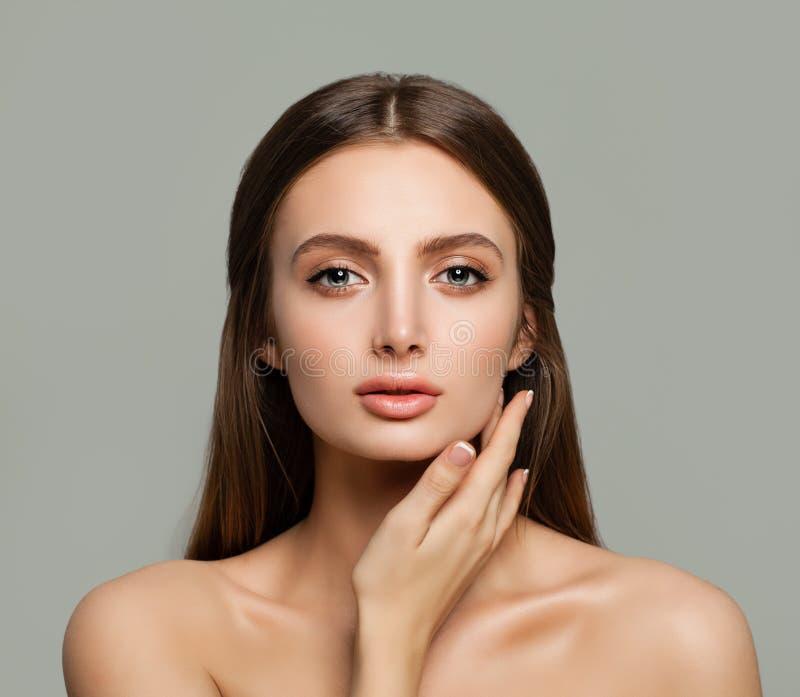 Zdrój twarz Zdrowa kobieta z Jasną skórą obraz royalty free
