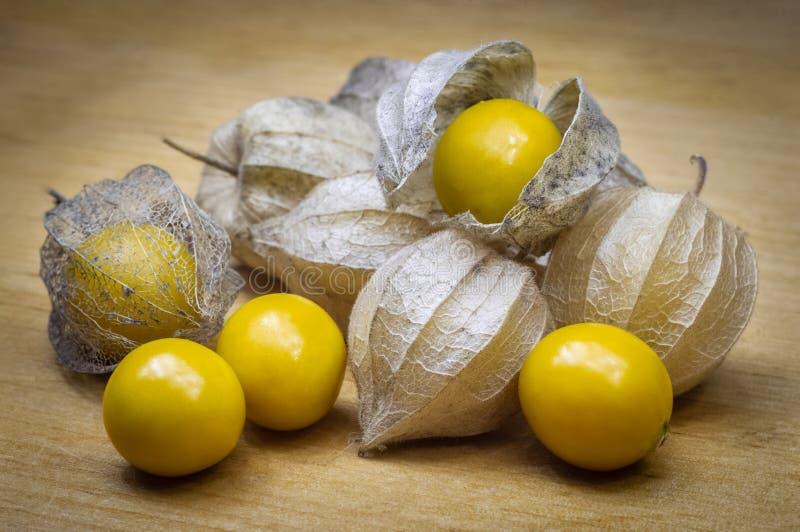 Zdrowa i wyśmienicie pęcherzyca Żółte organicznie owoc zdjęcia royalty free