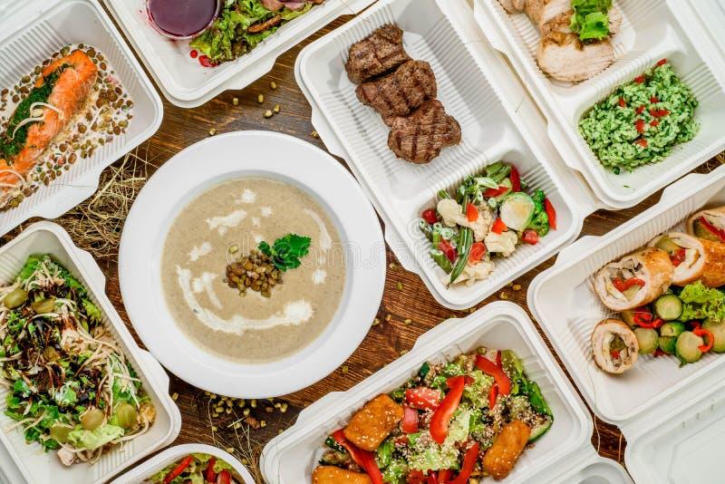 Zdrowa karmowa dostawa Bierze daleko od dla diety zdjęcia royalty free