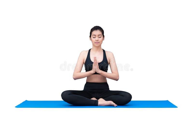 Zdrowa kobieta ćwiczy joga odizolowywający z ścinek ścieżką na białym tle obrazy stock