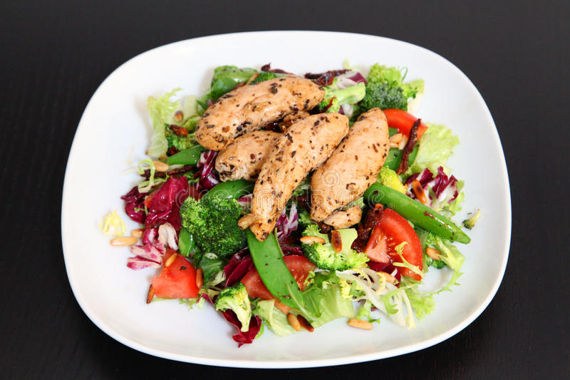 zdrowa kurczak sałatka zdjęcie stock