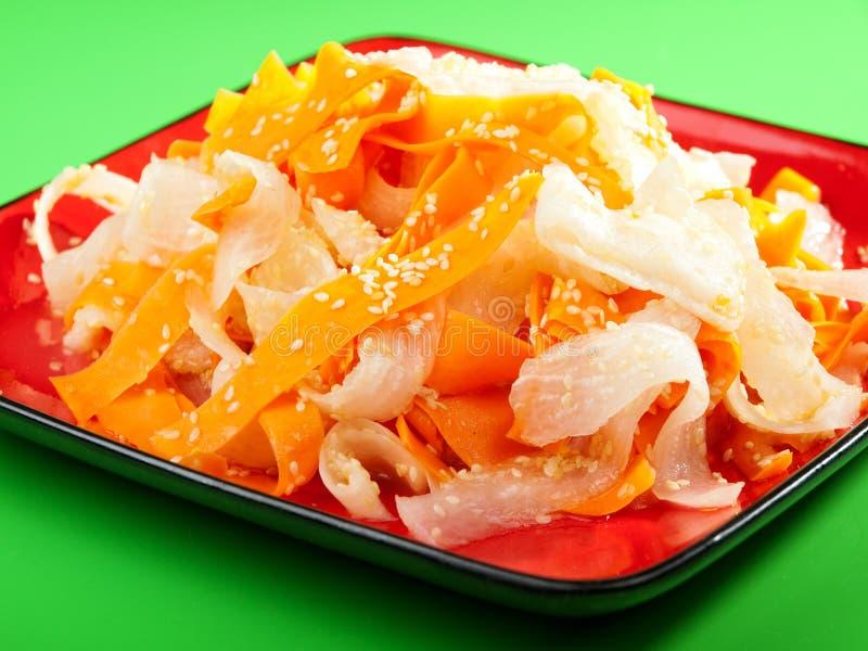 Zdrowa marchewki i rzepy sałatka zdjęcia stock