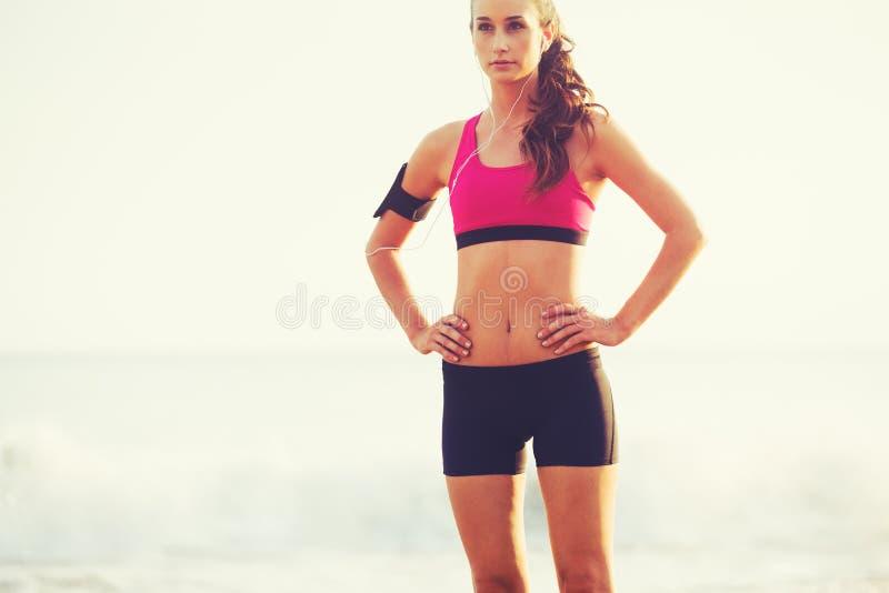 Zdrowa sport sprawności fizycznej kobieta zdjęcie royalty free