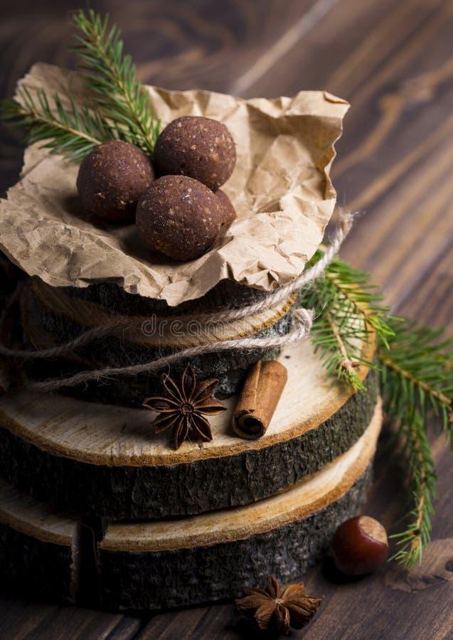Zdrowe domowej roboty czekoladowe trufle zdjęcie royalty free