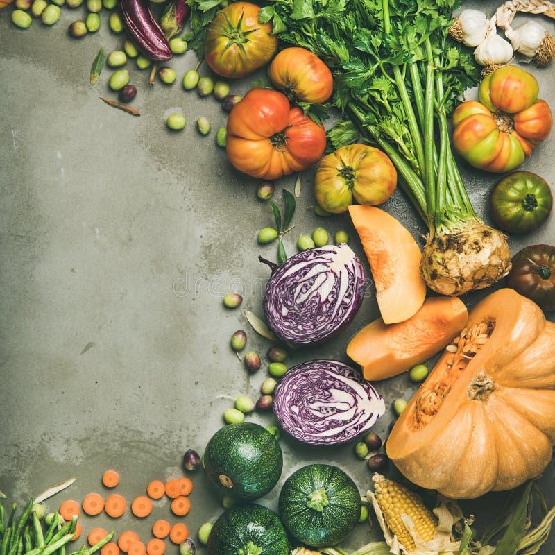 Zdrowego jarskiego sezonowego spadku karmowy kulinarny tło z warzywami obrazy royalty free