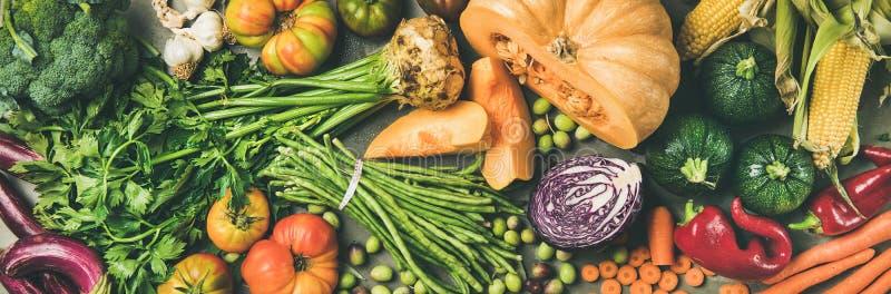Zdrowego jarskiego spadku karmowi kulinarni składniki od miejscowego rynku, w górę obrazy royalty free