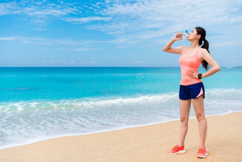 Zdrowej sporty kobiety skończona stażowa wytrzymałość obraz stock