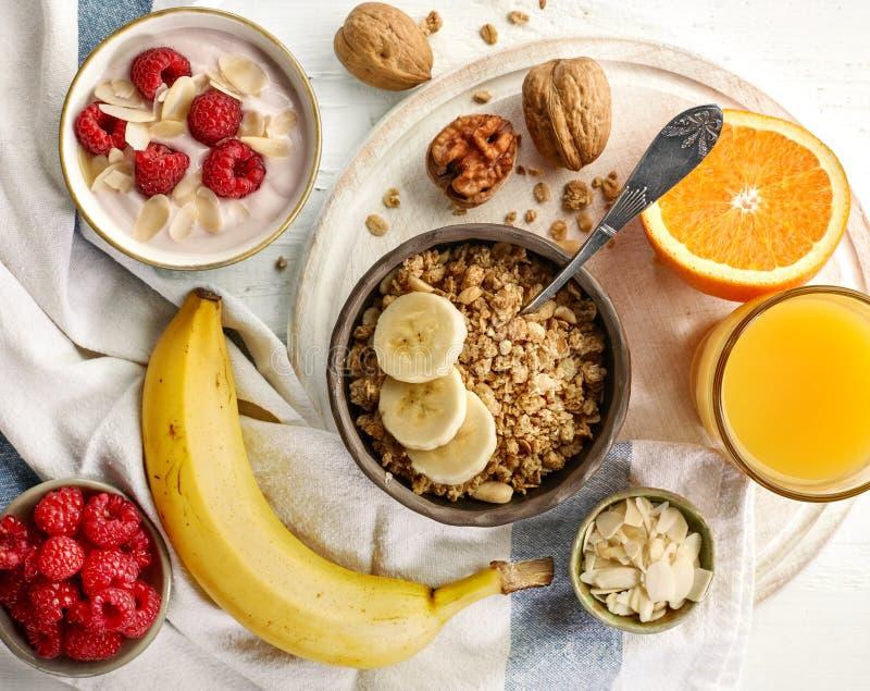 Zdrowi śniadaniowi produkty zdjęcie stock