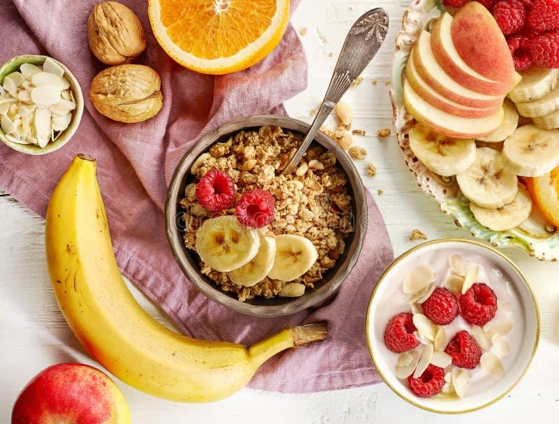 Zdrowi śniadaniowi produkty zdjęcia stock