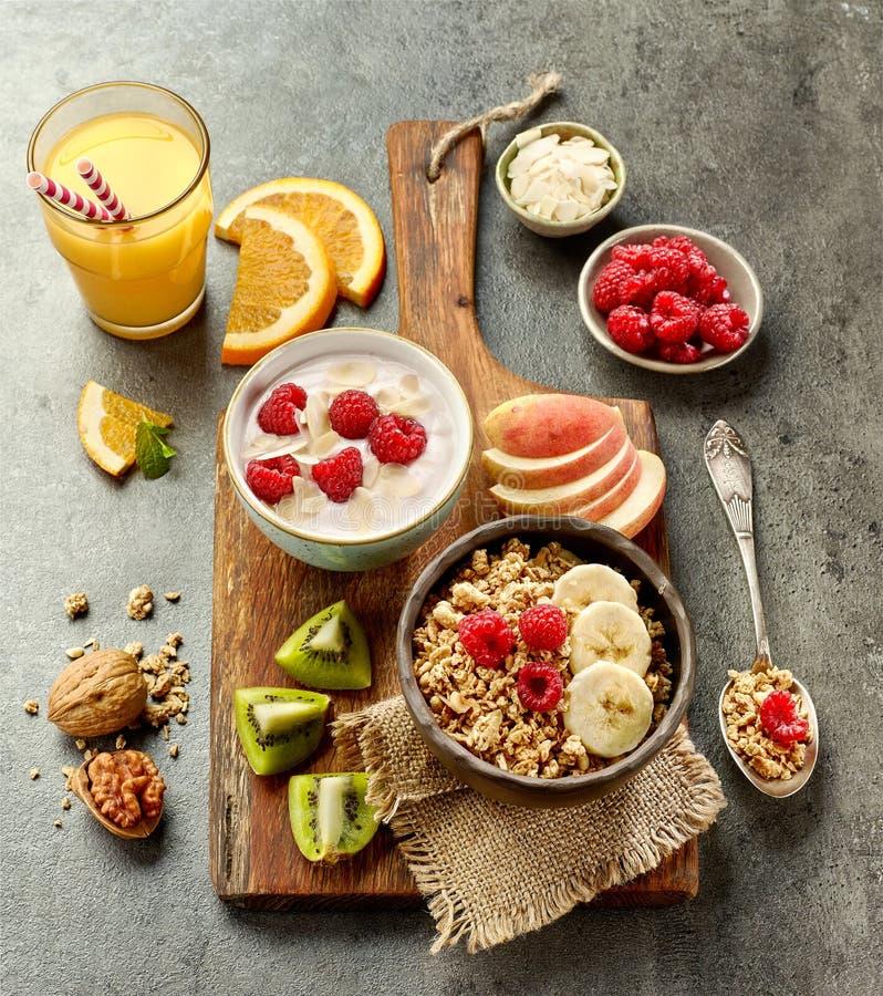 Zdrowi śniadaniowi produkty zdjęcie royalty free