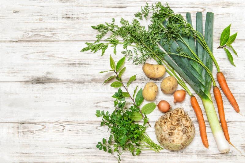 Zdrowi karmowi Świezi organicznie warzywa obraz royalty free