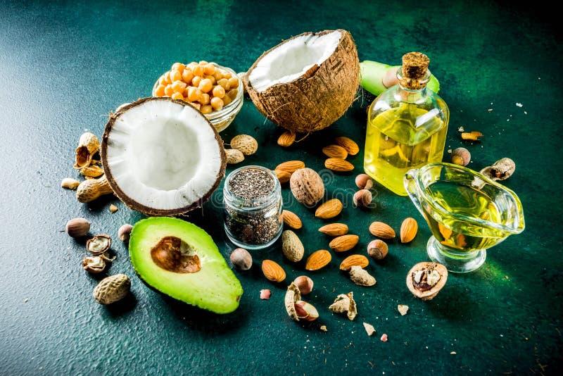 Zdrowi weganinu sad?a ?r?d?a zdjęcia stock