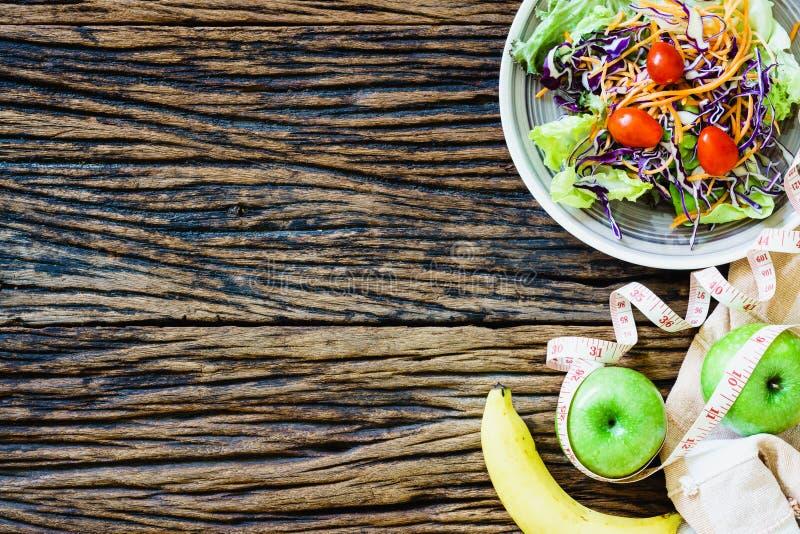 Zdrowy łasowanie, dieting odchudzać i ciężaru straty pojęcie - clos obraz stock