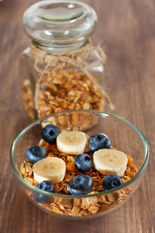 Zdrowy śniadanie z granola zdjęcie royalty free