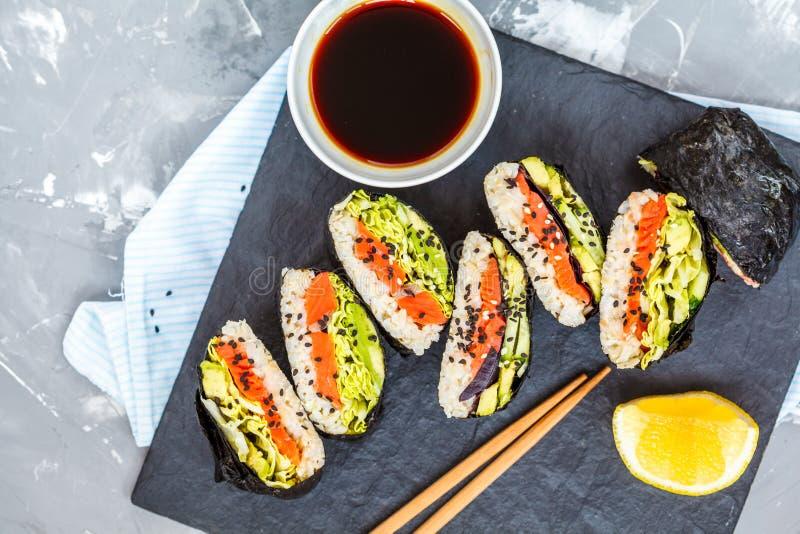 Zdrowy Japoński onigirazu zdjęcia stock