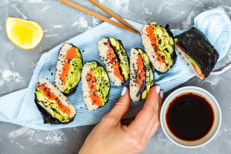 Zdrowy Japoński onigirazu obraz stock