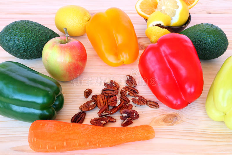 Zdrowy jedzenie dla śniadania lub chałupy zdjęcie royalty free