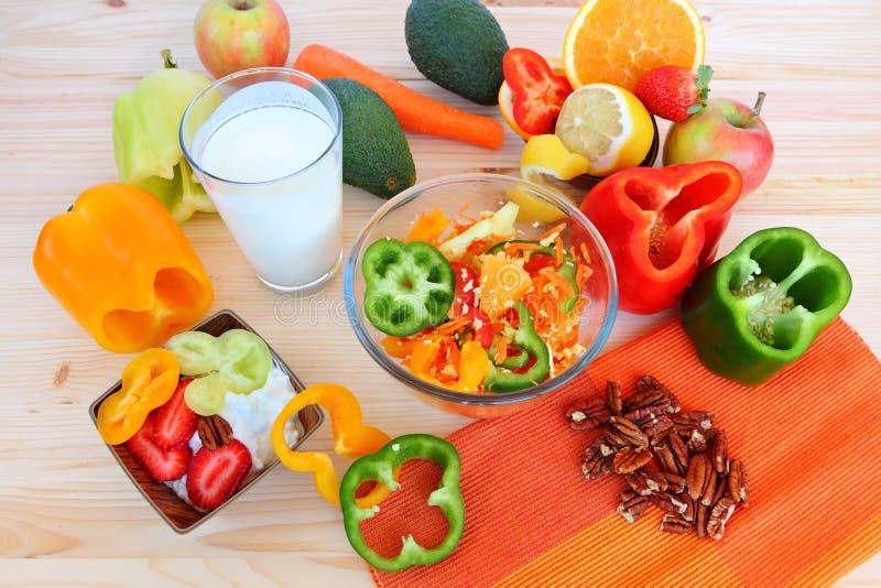 Zdrowy jedzenie - zdrowy życie zdjęcia stock