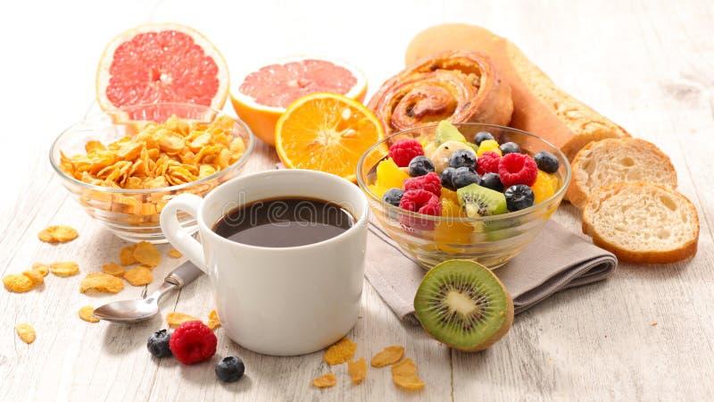 Zdrowy kontynentalny śniadanie zdjęcia royalty free