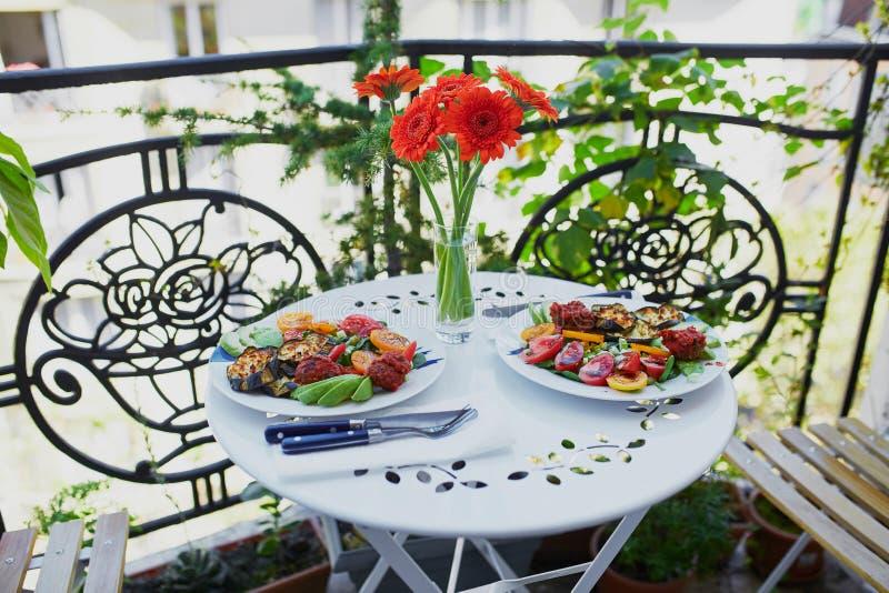 Zdrowy lunch słuzyć dla dwa zdjęcie royalty free