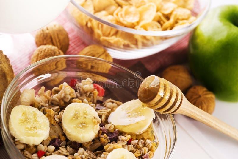 Download Zdrowy śniadanie zdjęcie stock. Obraz złożonej z czekolada - 13341024
