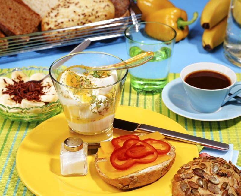 Download Zdrowy śniadanie obraz stock. Obraz złożonej z jedzenie - 33163891