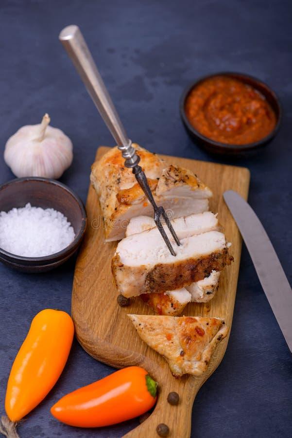 Zdrowy obiadowy kurczak i słodki pieprz zdjęcia royalty free