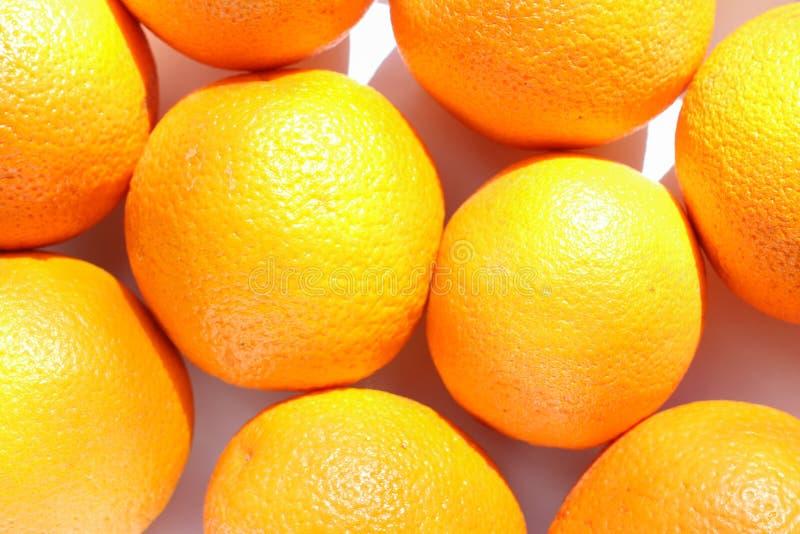 Zdrowy organicznie pomarańcze wzór, ciężki światło, odgórny widok obraz royalty free